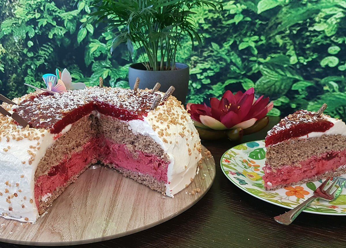 Himbeer Sahen Torte Café Yellowbrasil
