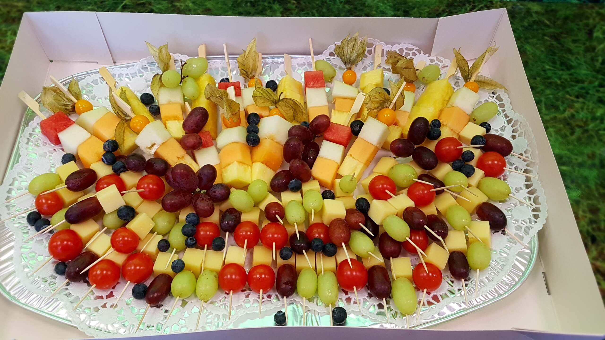 Obst- und Käseplatte